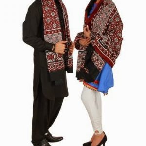 COUPLE SHAWL